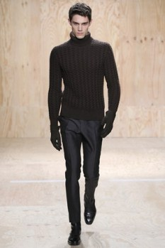 Knitted sweater (fashion trend!)