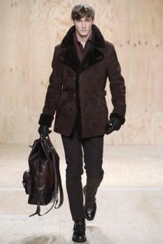 This coat look sooo comfy!