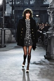 This coat is gorgeous.. i love what they did by incorporated a lot of stockings!