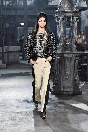 A little out there since its kinda of matching prints (at least the direction anyways) but I love the statement necklace, the pants are gorg, and the shows have to be my favorite from the whole look.